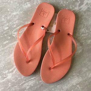 Reef Shoes - NWT Reef Escape Lux Flip Flop